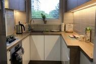 mała kuchnia-nowoczesna-142
